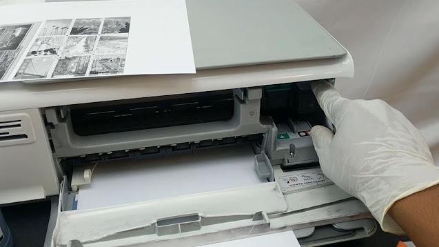 Impresora HP con error en los cartuchos de impresión.