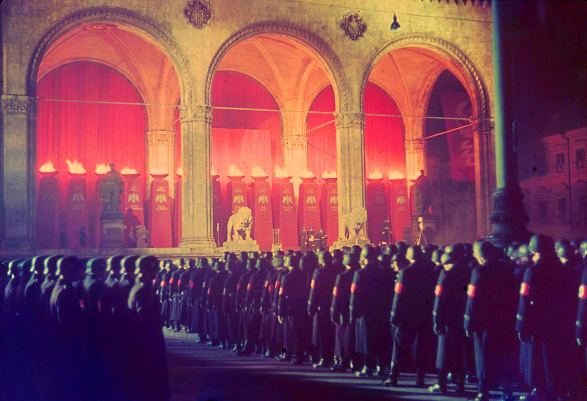 Annual midnight swearing-in of SS troops at Feldherrnhalle, Munich, 1938.