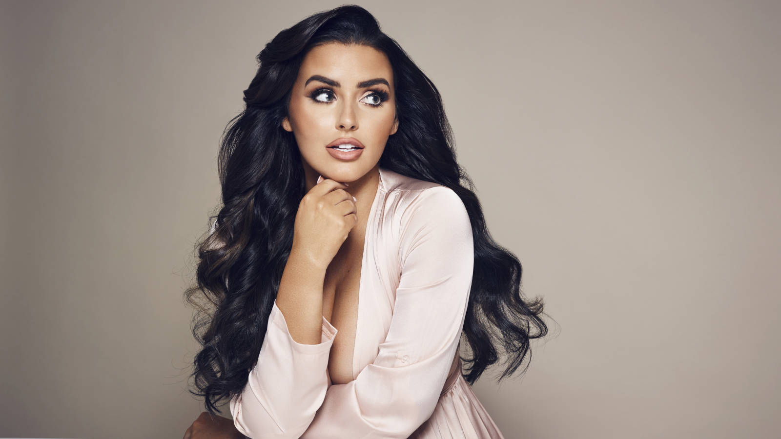 Abigail Ratchford Wallpaper