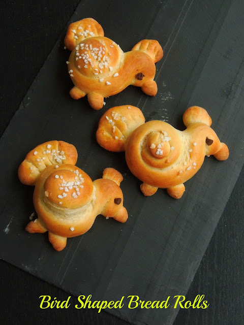bird shaped bread rolls