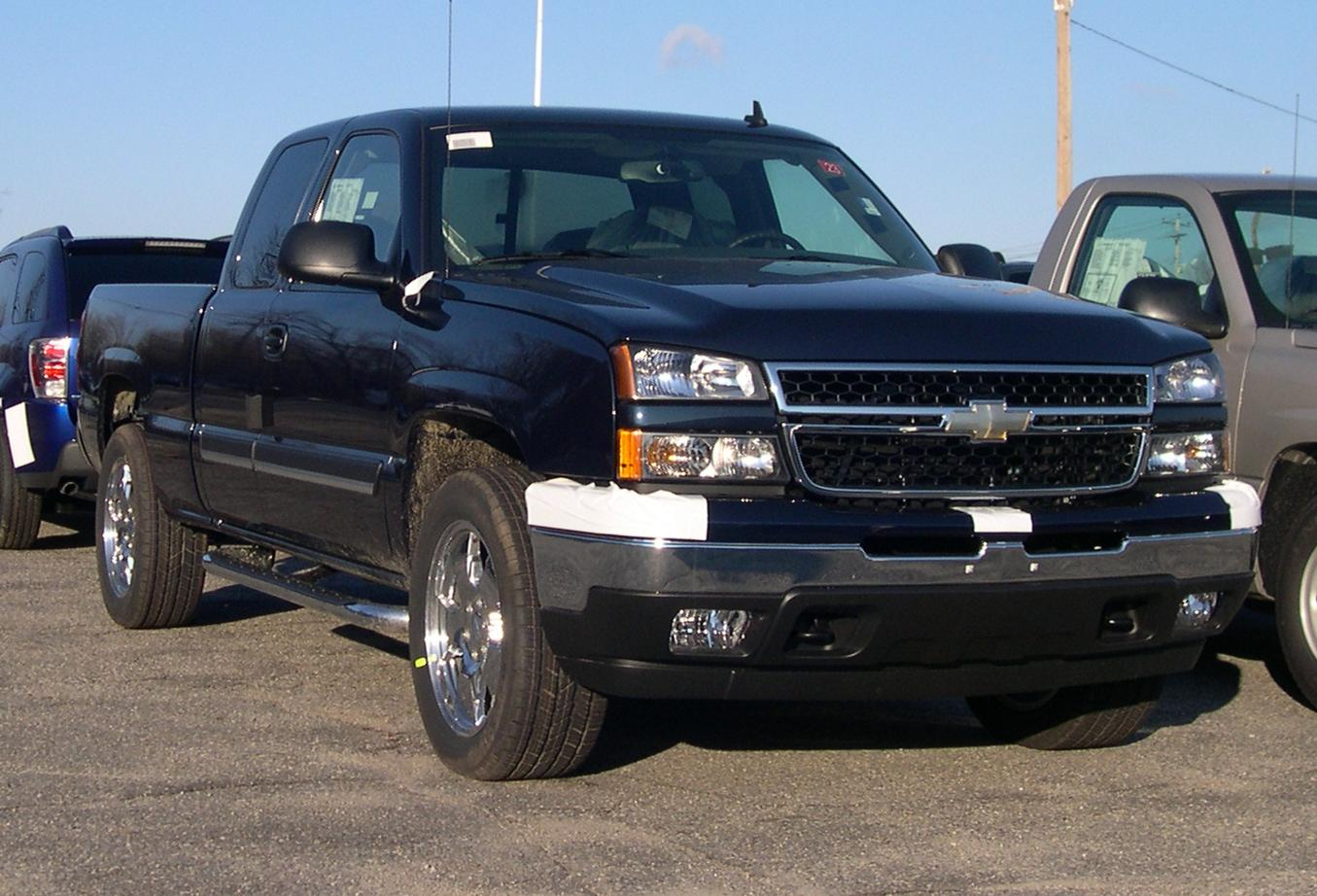 world automotive center chevrolet silverado high performance pickup truck built by chevrolet. Black Bedroom Furniture Sets. Home Design Ideas