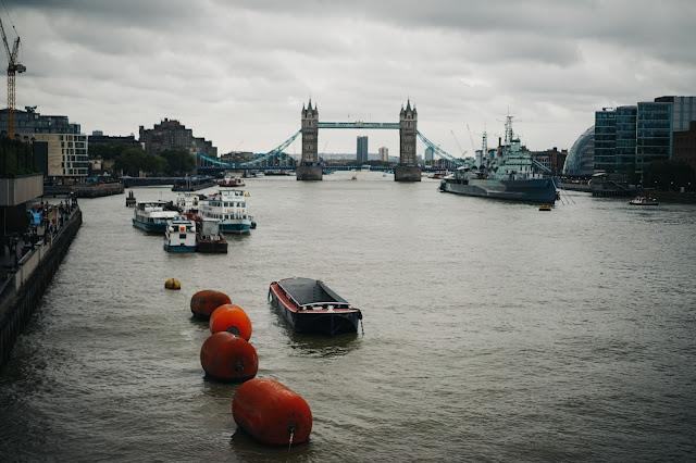 ロンドン橋(London Bridge)からの眺め
