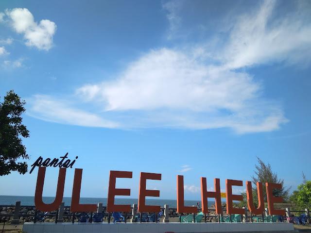 Pantai Indah Ulee Lheue banda aceh