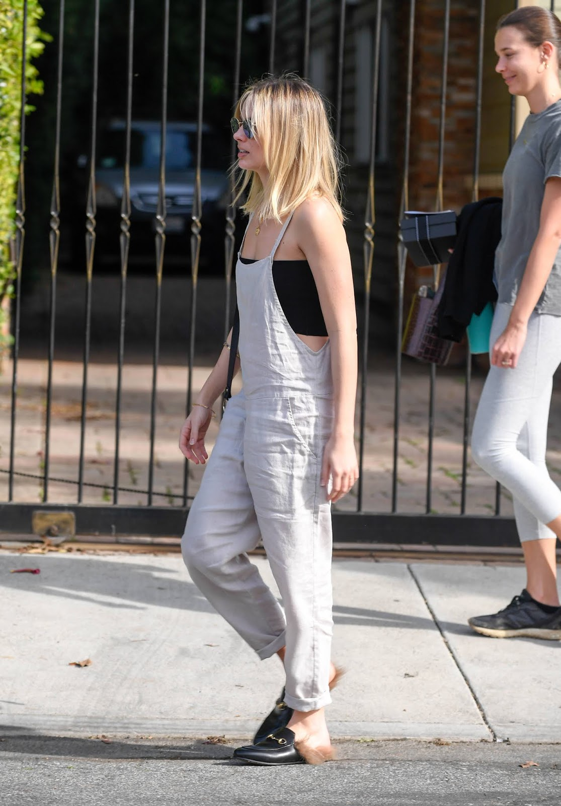 Margot Robbie runs errands in linen overalls in Los Angeles - 01/26/2019