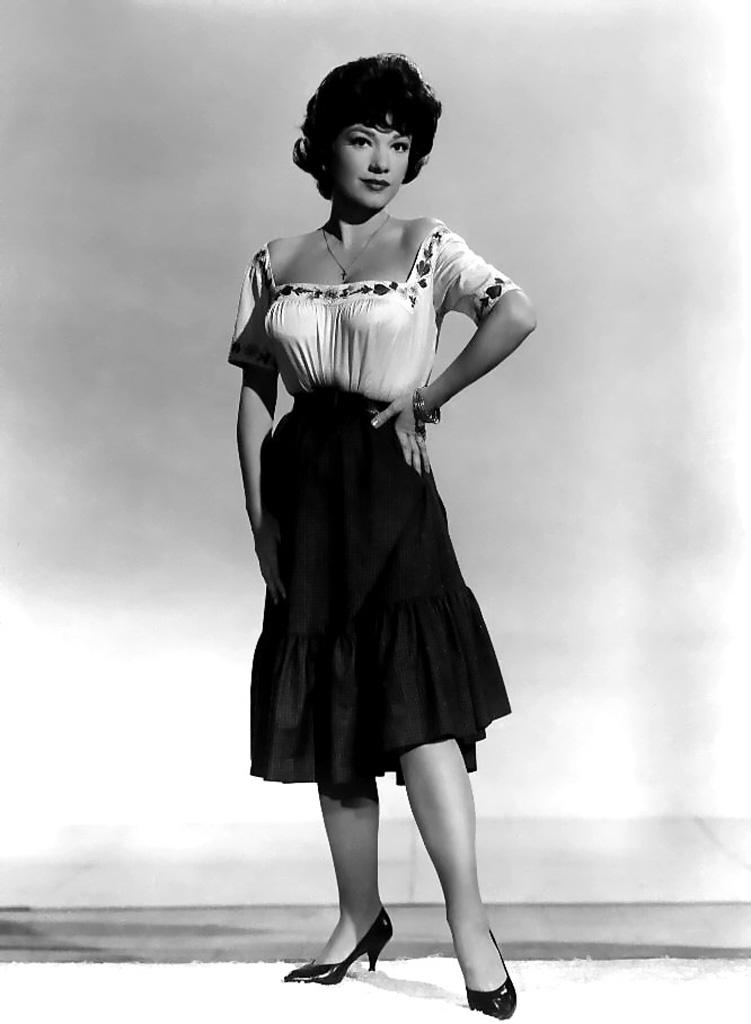 Mrs robinson vintage nylons stockings striptease big boobs - 1 part 1