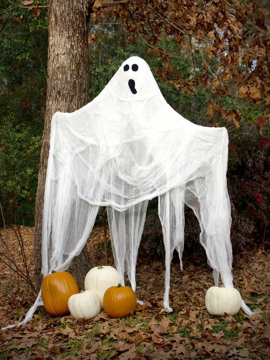 Show Me Crafting: Outdoor Halloween Decor Ideas via Pinterest