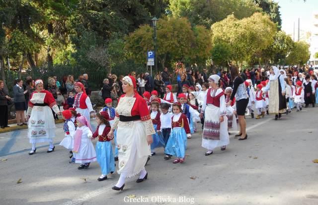 parada dzieci i młodzieży, dzień ochi, grecja chios