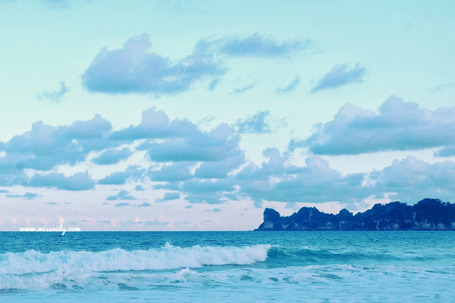 pantai sendiki yang masih sepi