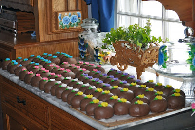Amish peanut Butter Eggs http://www.visittheamish.com