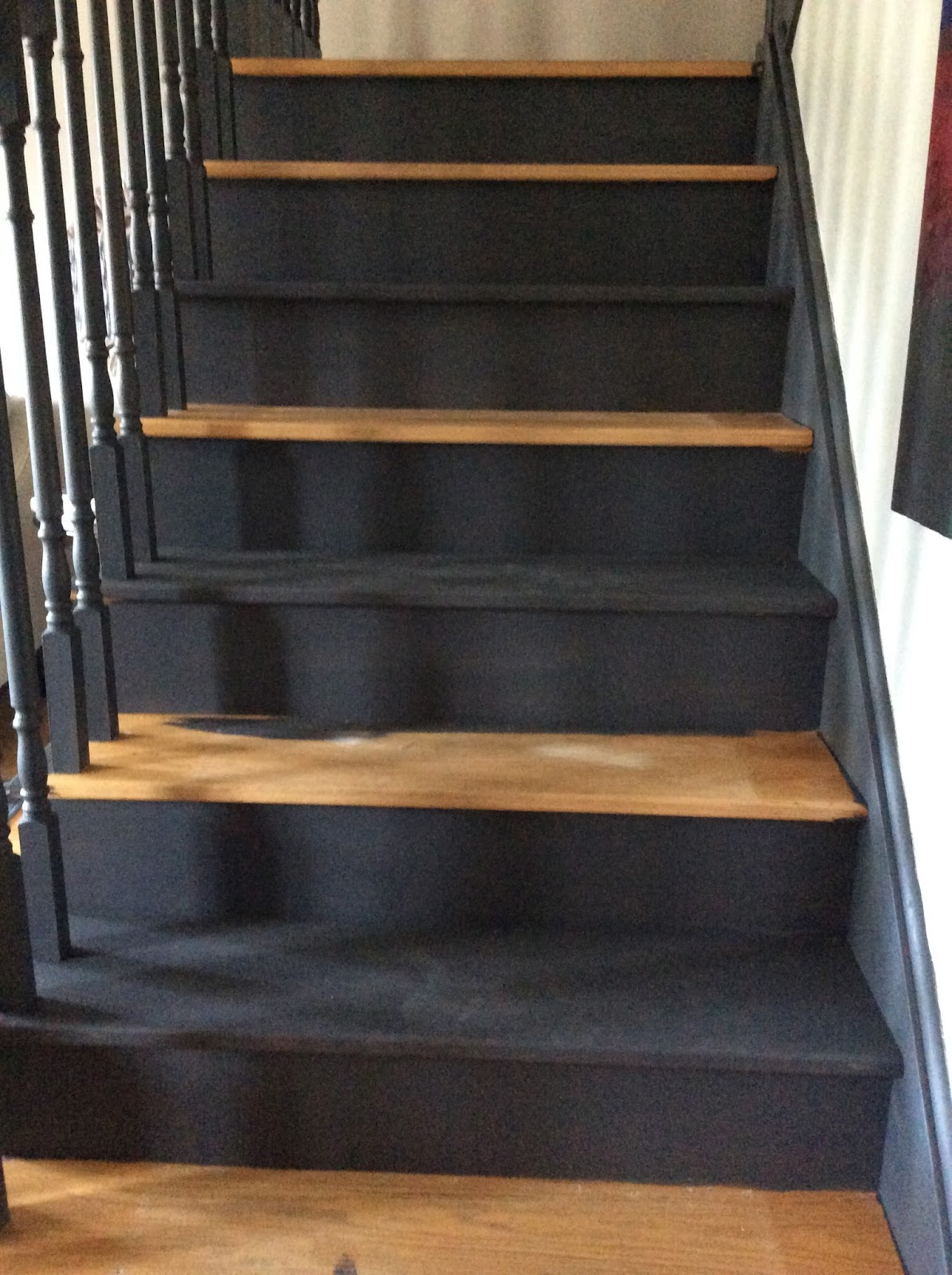 style to move blog: I Did It...I Painted My Stairs Black!
