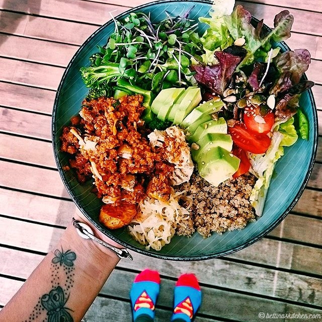 food interview   inspirierende superfood bowls bettinas kitchen - plant based cooking   luzia pimpinella