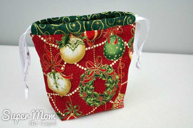 Make a drawstring gift bag with a divider - Super Mom No Cape!