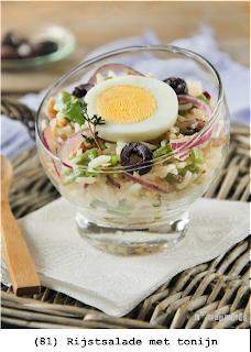 Basmatti rijst, rode ui, sperziebonen, eieren, tonijn, calamata olijven