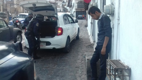 Encuentran a taxista 'encajuelado'