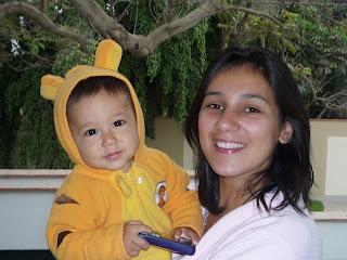 Bebé 8 meses con su mamá