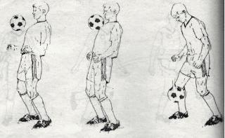 Menghentikan bola dengan dada
