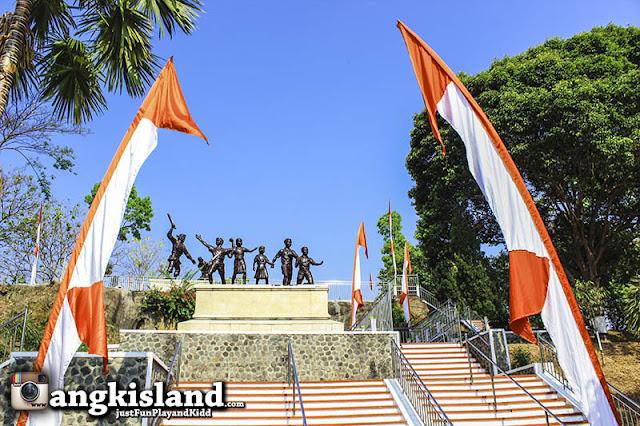 monumen perjuangan