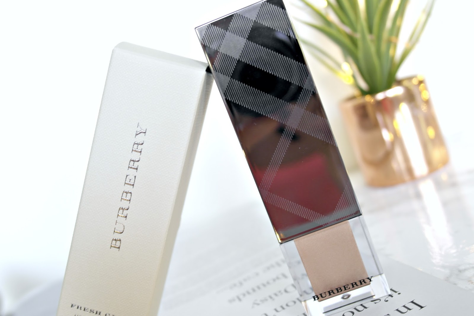 Burberry Fresh Glow Luminous Fluid Base, review, beauty blogger