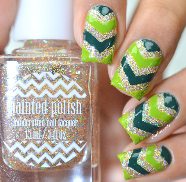 Single chevron nail art