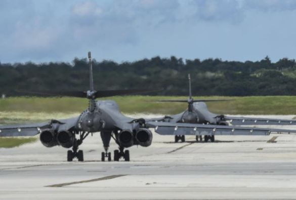 Donald Trump shares photos of U.S. Air Force B-1B Lancers