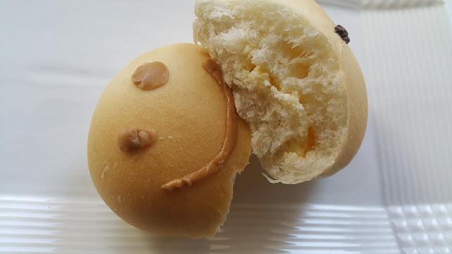 東急ストア100円パン「雪だるまパン」