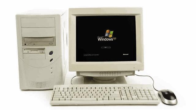 komputer generasi keempat sudah didistribusikan secara masal