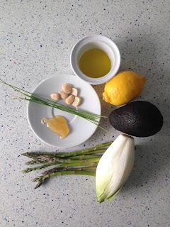 Ingredientes ensalada de endibias y aguacate