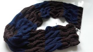 komin na szyję na drutach
