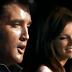 """Elvis Presley e hija cantando """"juntos"""""""