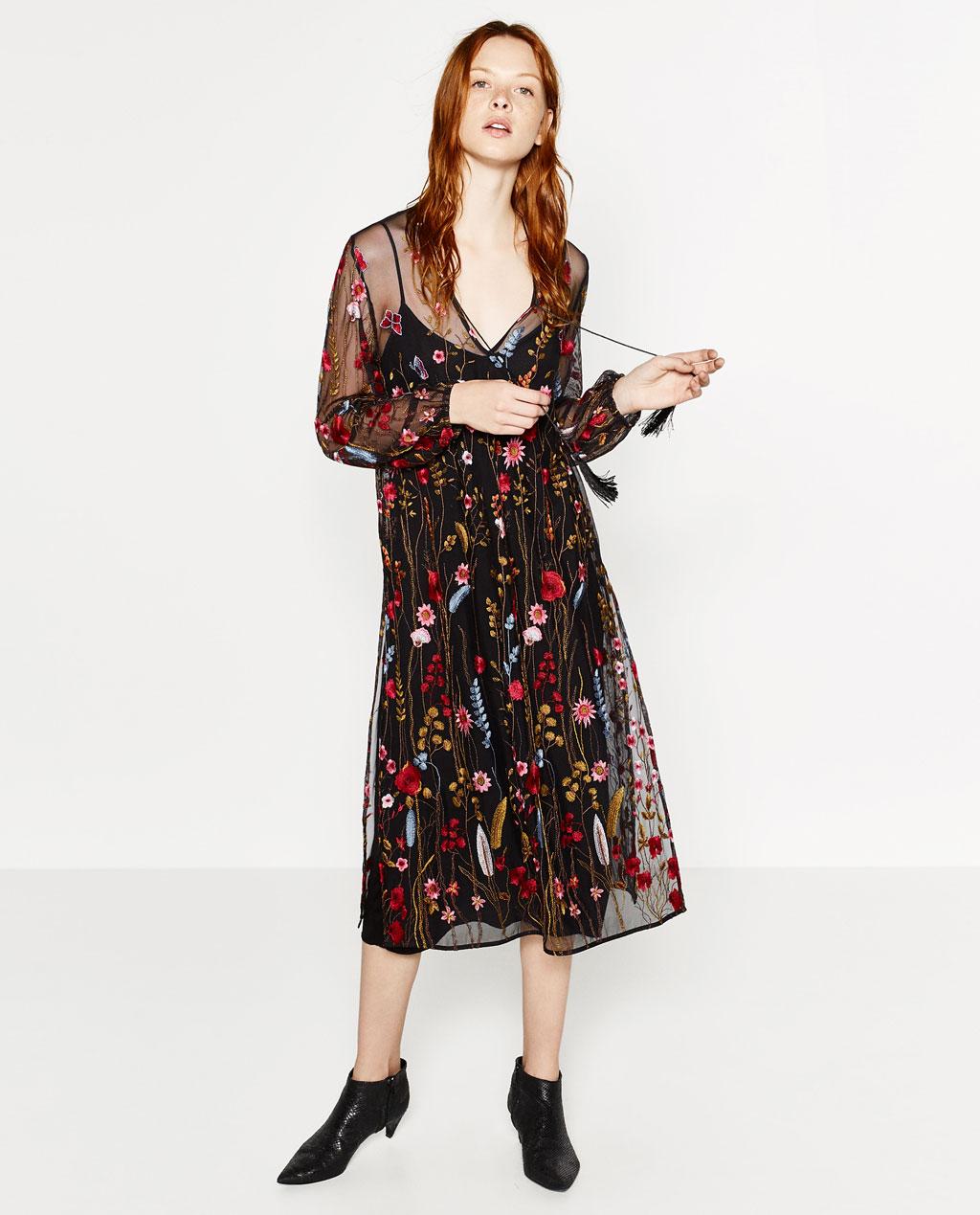 2b2670183b73 Ljuvlig klänning med brodyr, Zara. Fin klänning från Zara. Finns i storlek  xs-s och ...