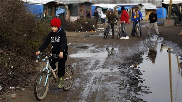 France ready to dismantle 'Jungle' refugee camp in Calais soon: Minister