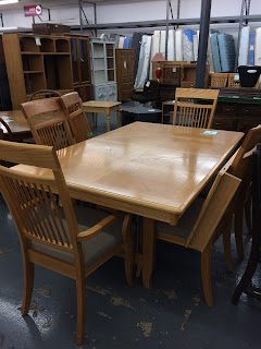 Richardson Brothers Company Solid Oak Table With Four Leaves And Six Chairs In Very Good Condition Priced 145 Measures 41 X 53 Without