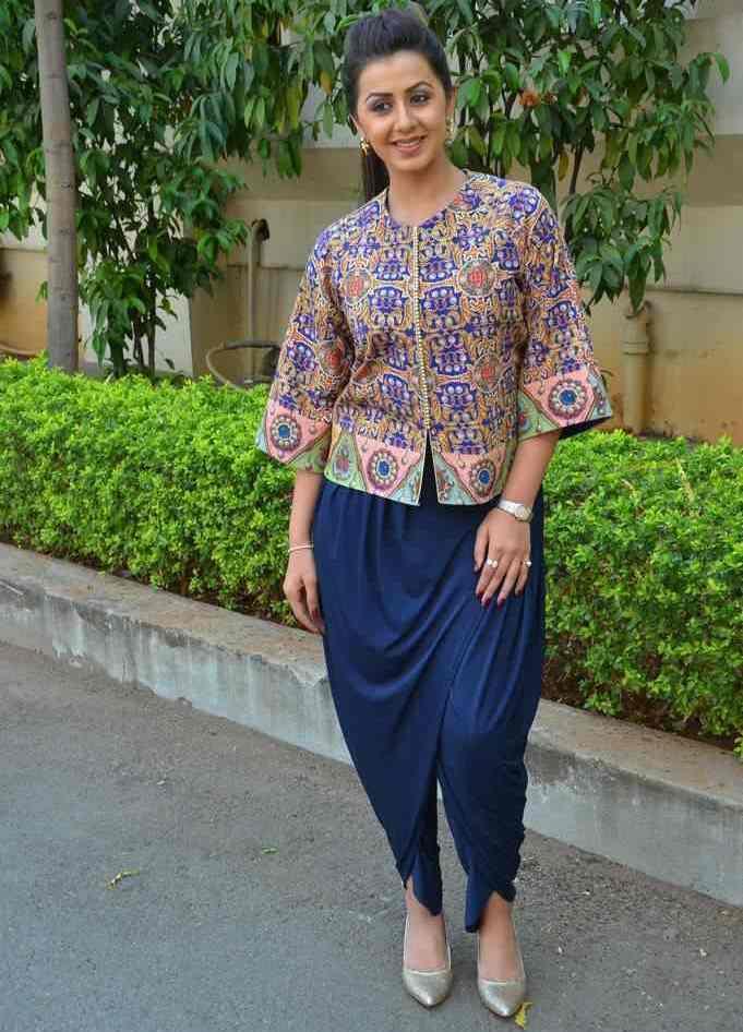 Nikki Galrani Stills At New Movie Trailer Launch In Blue Dress