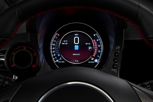 Instrument cluster of 2016 Fiat 500 Abarth