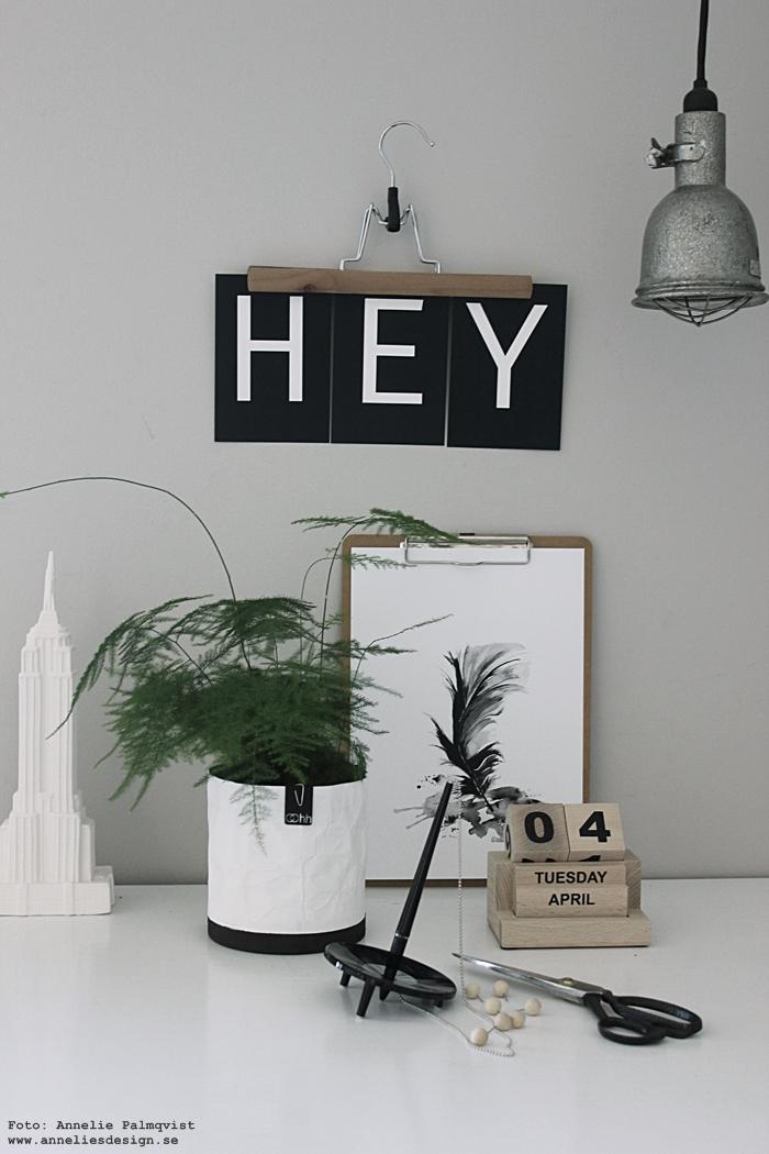 annelies design, webbutik, webshop, nätbutik, nettbutikk, poster, posters, fjäder, fjädrar, evighetskalender, house doctor, tavla, tavlor, prints, konsttryck, kalenderblock, kub, kuberm, klotsar, Oohh kruka, krukor, cementbotten, vit, vita, empire state building, inredning, svart och vitt, svartvitt, svartvita, gråmålad vägg, vykort med bokstäver, bokstav,