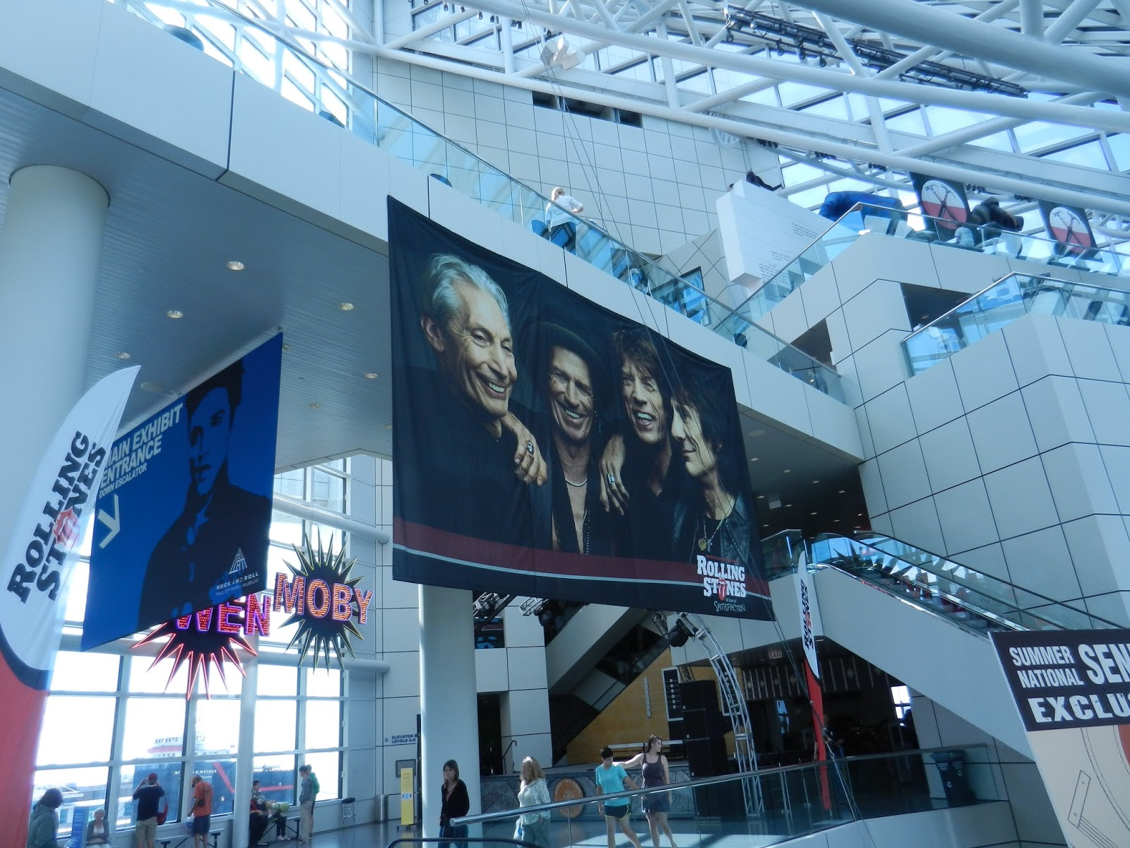 Rock N Roll Interieur Beauty Of Everyday Life Rock And Roll Hall Of Fame Inside