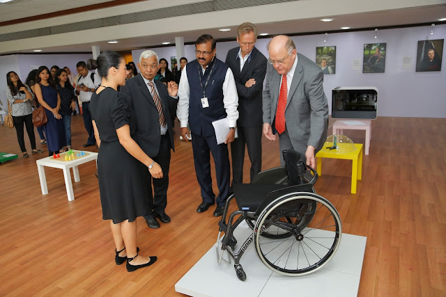 The expert curator of the exhibition, Ms. Margarita Bergfeldt Matiz showcases the lightest wheelchair of the world weighing 2.1 kg to Mr. S.K Jain, Chairman, LMC, WeSchool and Shikshana Prasaraka Mandali, Prof Dr Uday Salunkhe, Group Director, WeSchool, Acting Consul General of Sweden in Mumbai, Mr. Jan Campbell Westlind and Consul General of Sweden Mumbai, Mr. Nils Eliasson