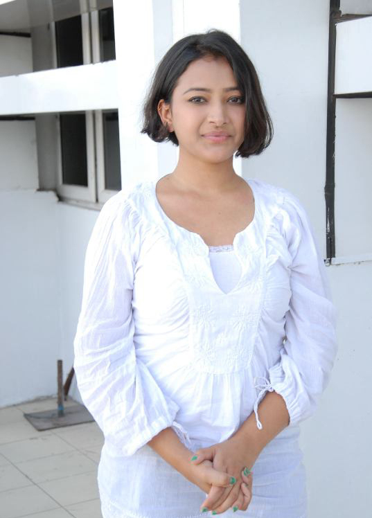 South Indian Hot Actress Shweta Basu Stills In White Dress Blue Jeans