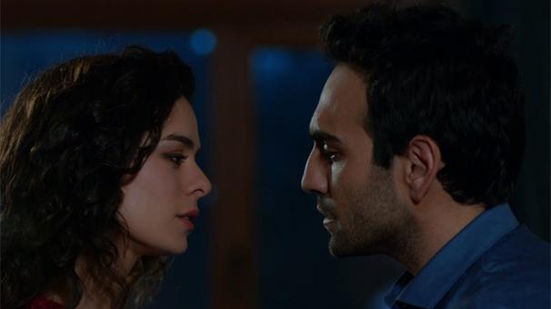 Fatih și Zeynep, ca doi noi iubiți, vor ieși la prima întâlnire.