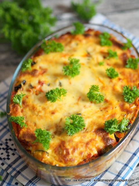 purchawica, grzyby, warzywa, musaka, obiad, czasznica olbrzymia, grzyb jak pilka, purchawka, z piekarnika