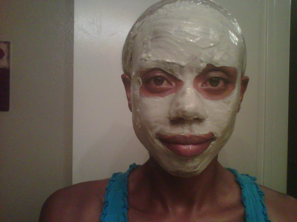 Bentonite Clay Facial 67