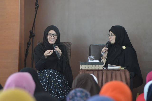 Subhanallah, Gadis Cantik ini Masuk Islam Gara-gara Lihat Iklan Sirup Ramadhan