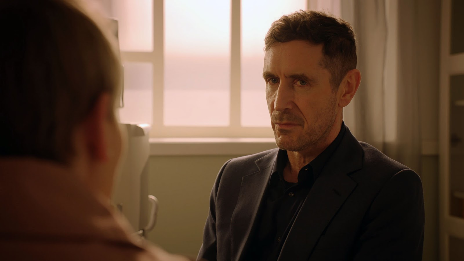 Holby City series 20 episode 26 'Fallen Idol'