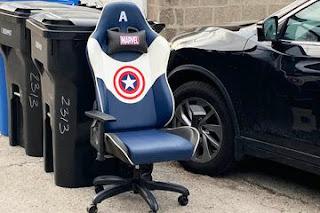 15 Orang Ini Menemukan Harta Karun di Tempat Sampah. Ada yang Nemu Kursi Avengers!