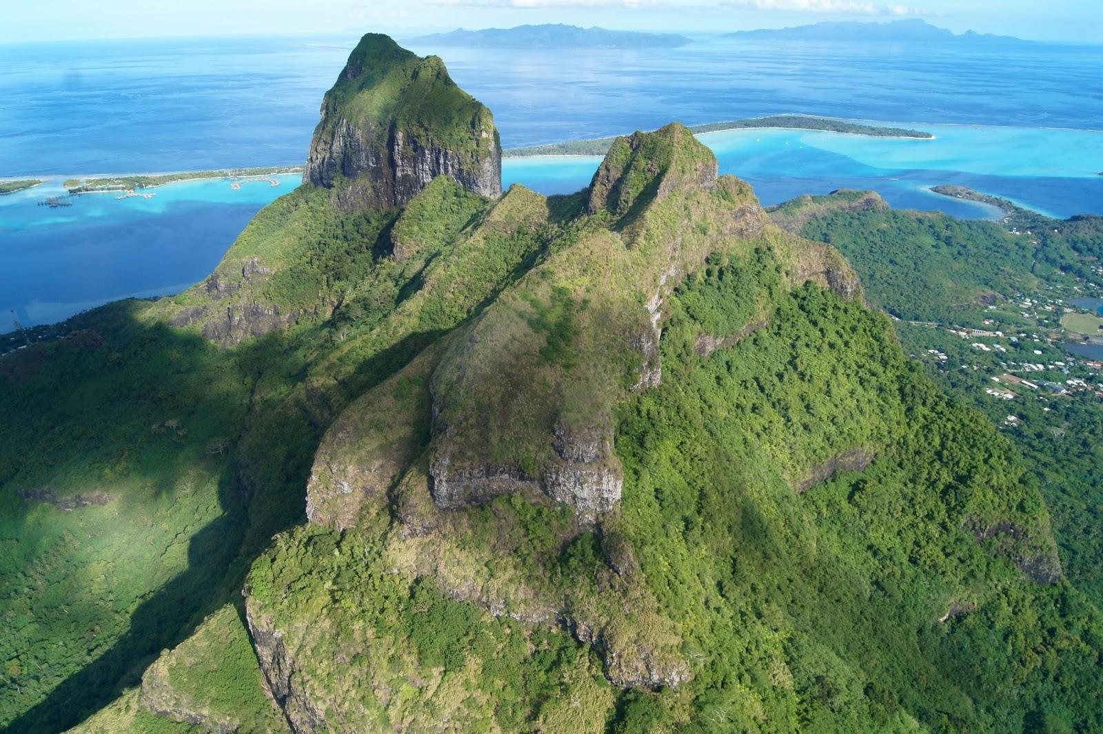 Bora Bora hiking