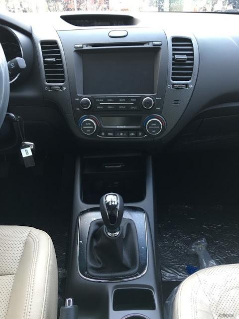 Kia Cerato 2017 trang bị màn hình DVD, hệ thống điều hòa tự động
