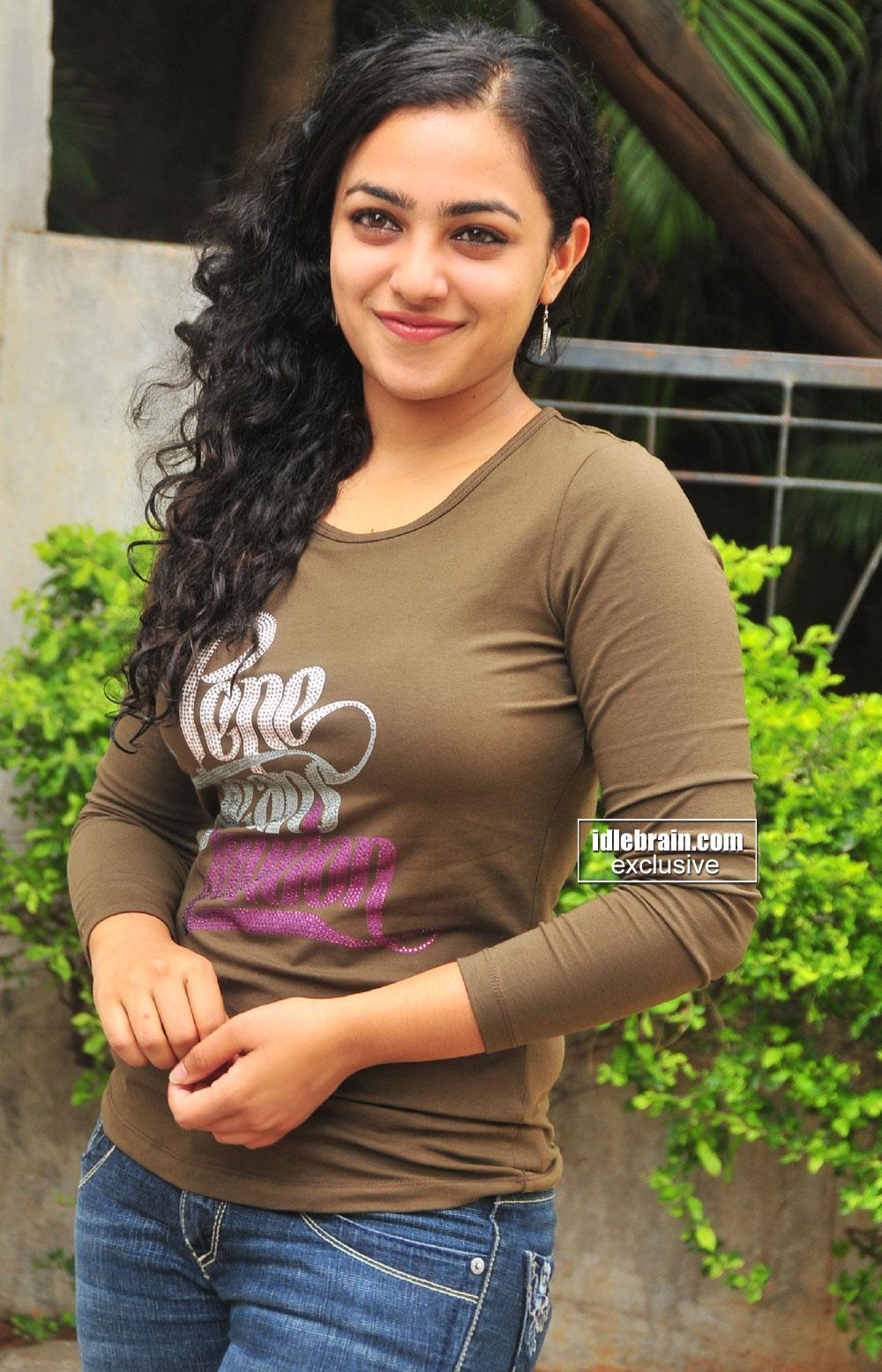 actress world gallery: nithya menon latest hot photos