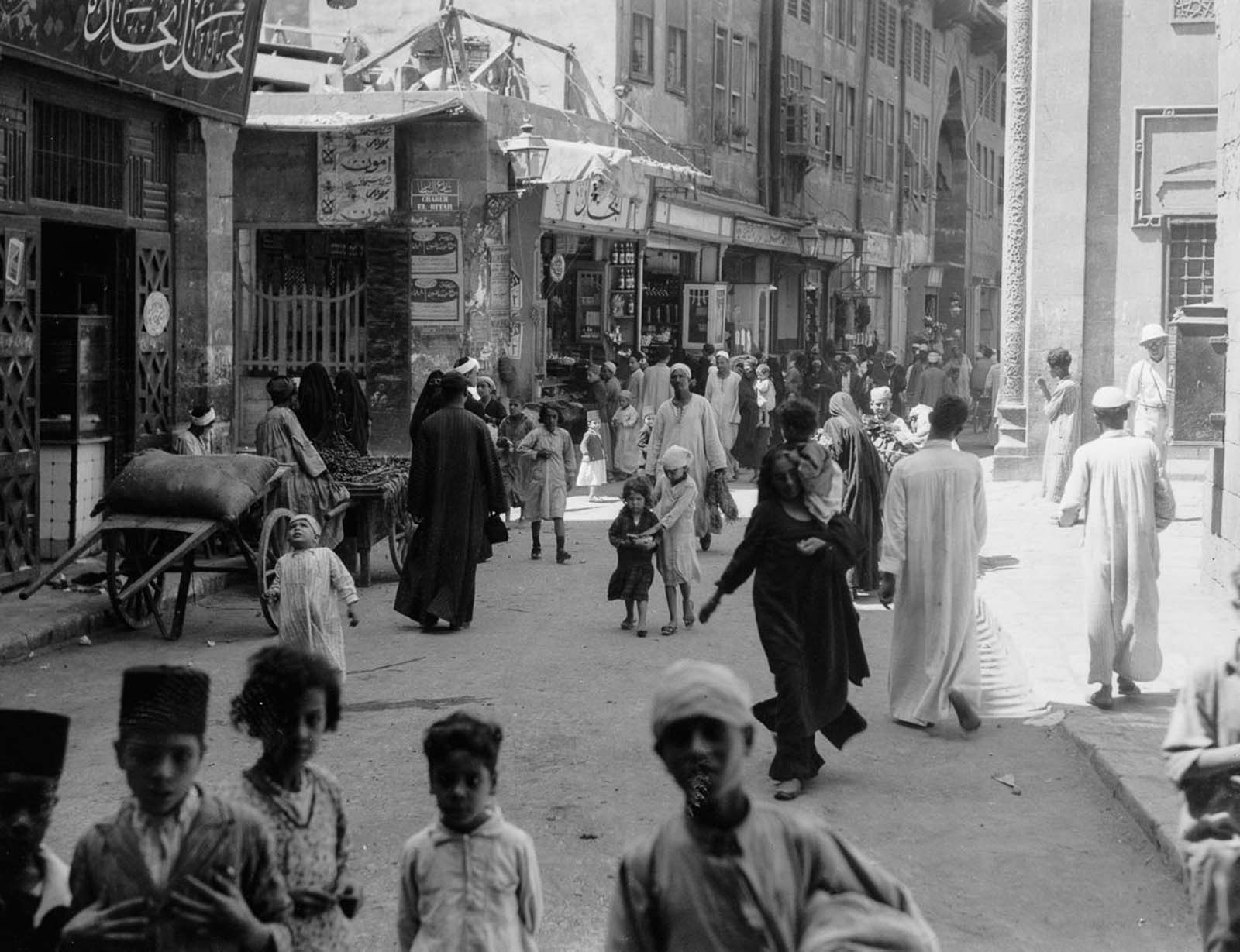 A street in Old Cairo, south of al-Azhar. 1934.