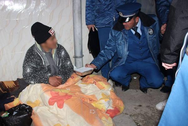 في خرجة ليلية .. شرطة الشلف تقدم مساعادات للأشخاص بدون مأوى
