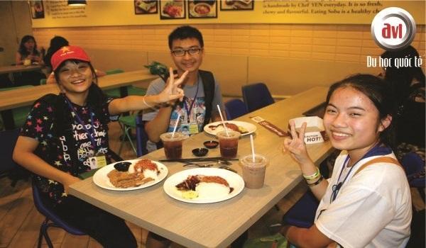 Thưởng thức ẩm thực phong phú của đất nước Singapore